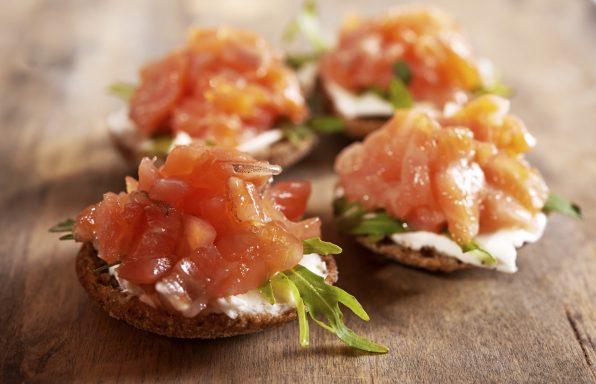 receta sana de tostadas de salmon