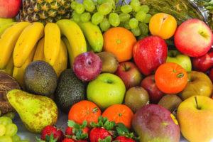 cuánta fruta debe comerse al día