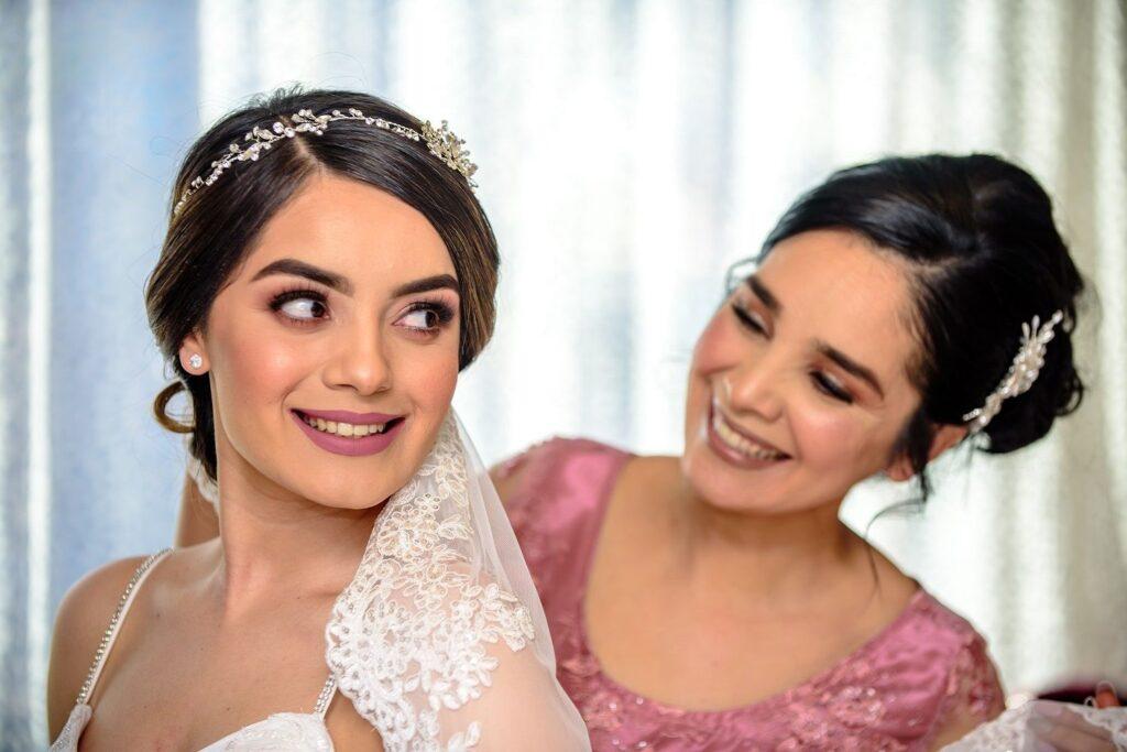papel de la madre de la novia en una boda